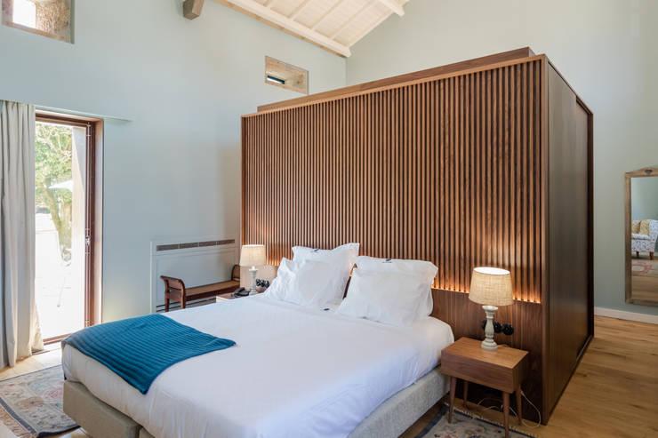 Dormitorios de estilo clásico por PROD Arquitectura & Design