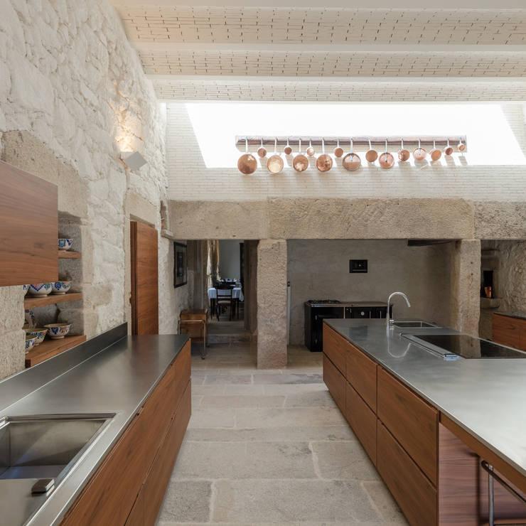 Cocinas de estilo rústico por PROD Arquitectura & Design