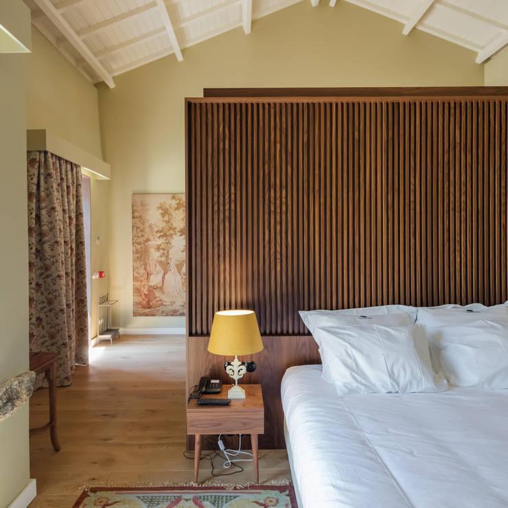 Dormitorios de estilo ecléctico por PROD Arquitectura & Design