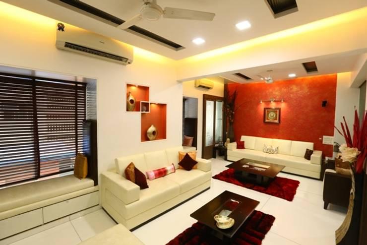Basant Park - Chembur:  Living room by Aesthetica