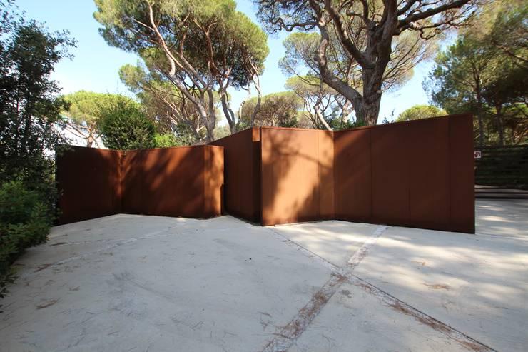 vista  3: Giardino in stile in stile Mediterraneo di      Massimo Viti Architetto                                   studio Architectural Make-Up+