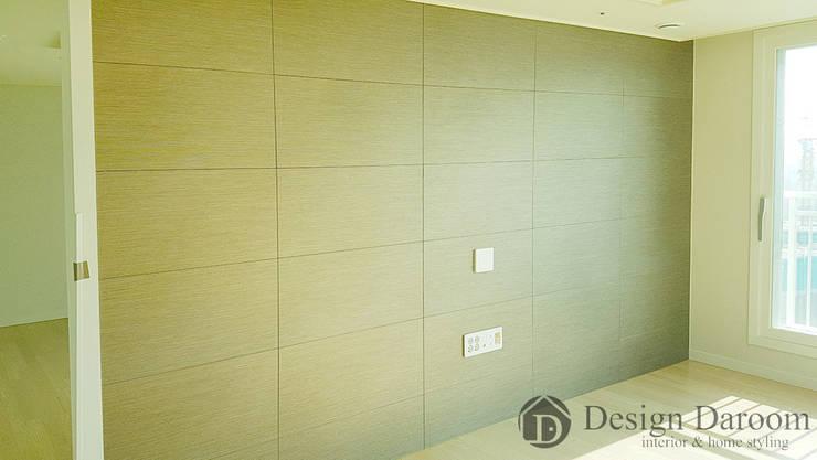 미사 푸르지오 아파트 거실 아트월: Design Daroom 디자인다룸의  거실