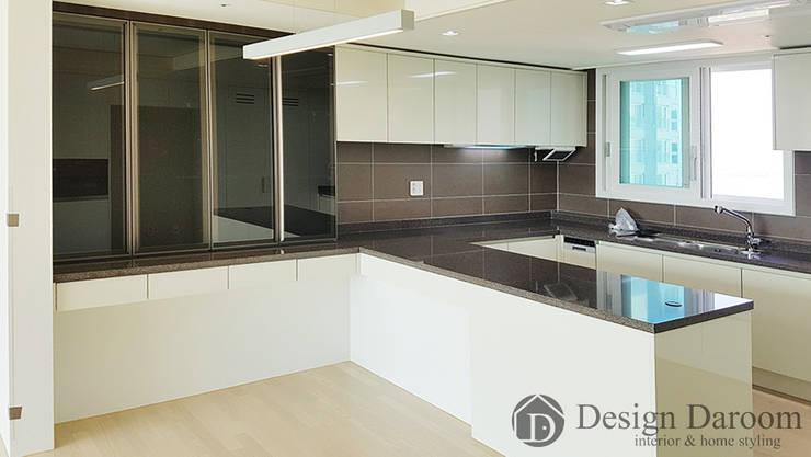 미사 푸르지오 아파트 주방: Design Daroom 디자인다룸의  주방