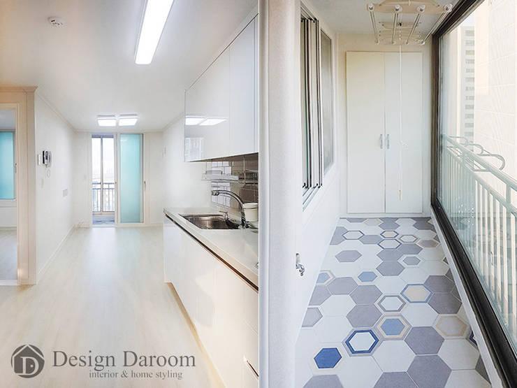 용두 신동아 아파트 21평형 거실 및 발코니: Design Daroom 디자인다룸의  거실,모던