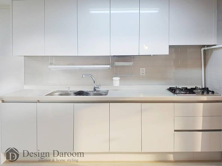 용두 신동아 아파트 21평형 주방: Design Daroom 디자인다룸의  주방,모던