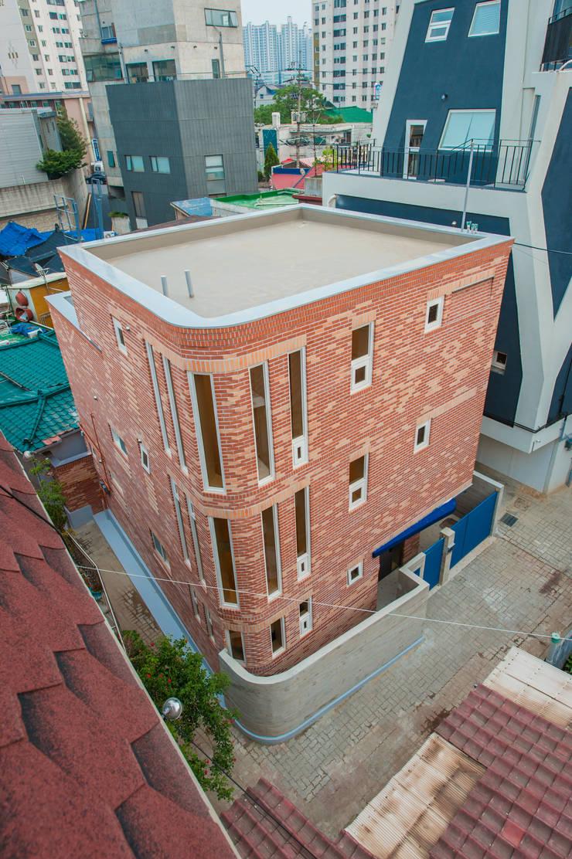 신길동 주택: 더 이레츠 건축가 그룹의  주택,