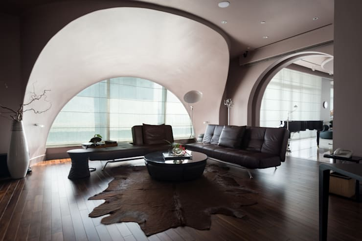 Urban Living at Pacific Place Residence:  Ruang Multimedia by E&U