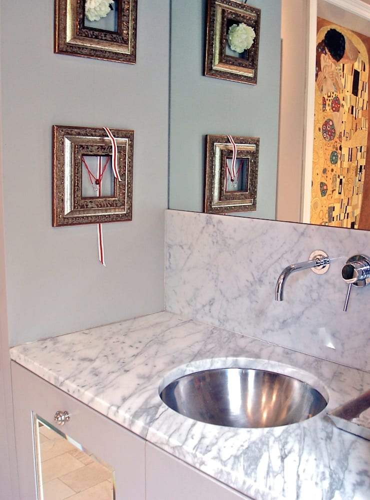 Vanity:  Bathroom by Turquoise