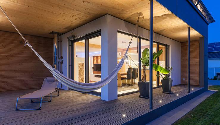 Terrace by KitzlingerHaus GmbH & Co. KG