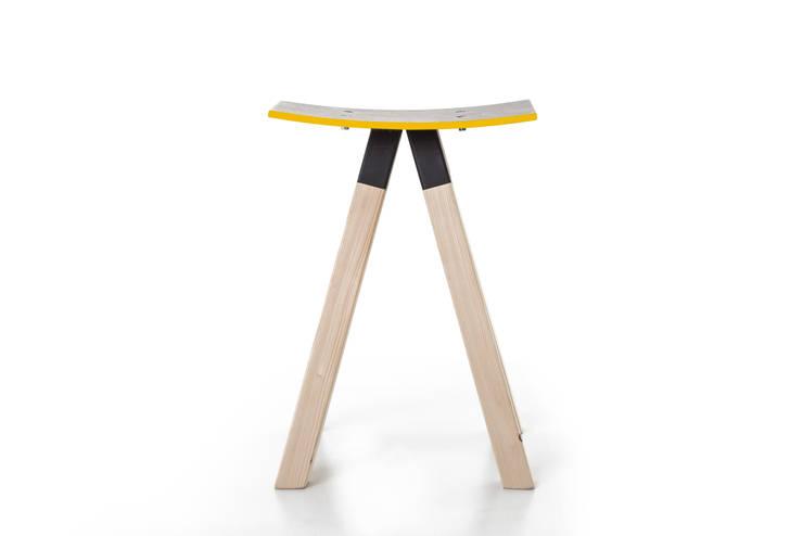oleh Çedille by Françoise Oostwegel, Skandinavia Kayu Wood effect