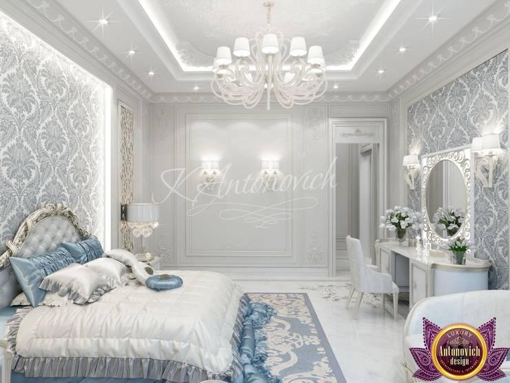 Lovely bedroom design from Katrina Antonovich:  Bedroom by Luxury Antonovich Design