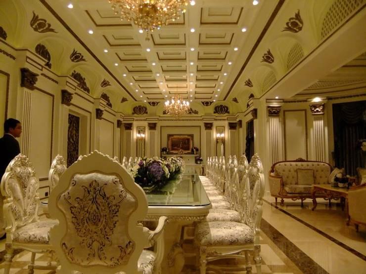 Dining room by CASAMIO Co.,Ltd.