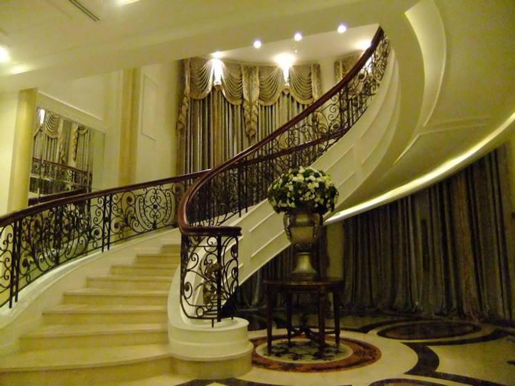 Corridor & hallway by CASAMIO Co.,Ltd.