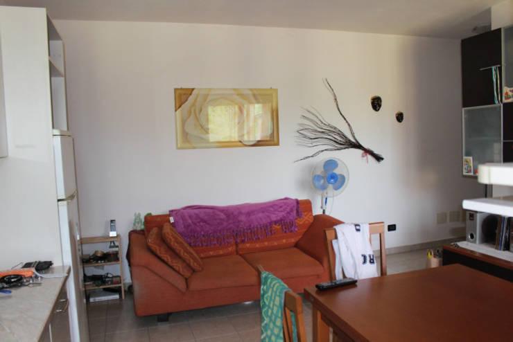 Home Staging per la vendita di appartamento arredato e abitato:  in stile  di Anna Leone Architetto Home Stager