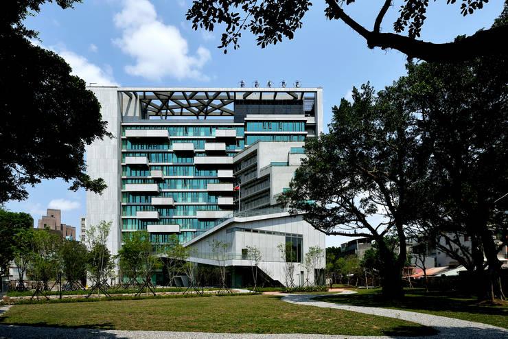 Casas  por 綠野國際建築師事務所