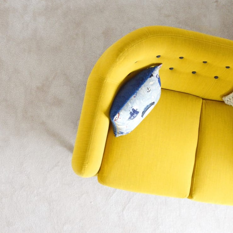 jasa cuci sofa bandung:  Interior landscaping by SapuBersih.id