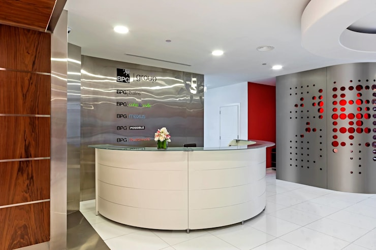 BPG Office:  Offices & stores by Gurooji Designs,Modern