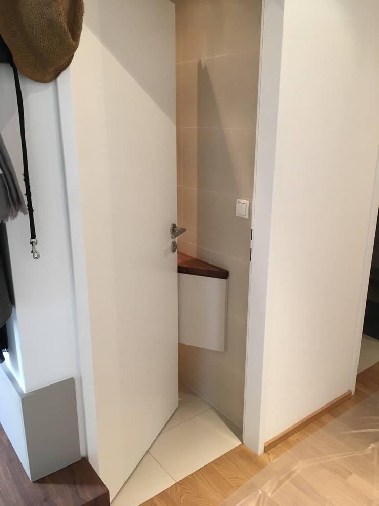 Badezimmertoiletteneinrichtung Wc Kleinstmöbel Dampfer Von