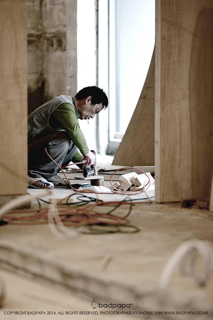 정통일식전문점 스시킨(Sushi KIN): oldantique design 오직 모양새만 생각하는 사람들의  주택