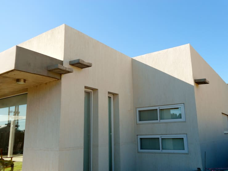 CASA OP – Barrio Patagonia Norte – Ciudad de Bahía Blanca: Casas de estilo  por MSA ESTUDIO DE ARQUITECTURA
