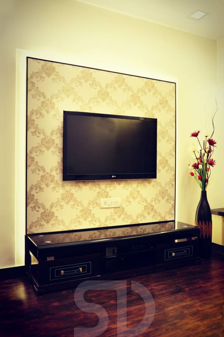 T.V. Paneling with Unit:  Living room by SUMEDHRUVI DESIGN STUDIO