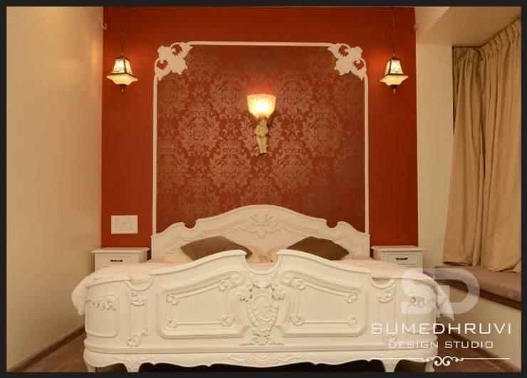 Bedroom by SUMEDHRUVI DESIGN STUDIO