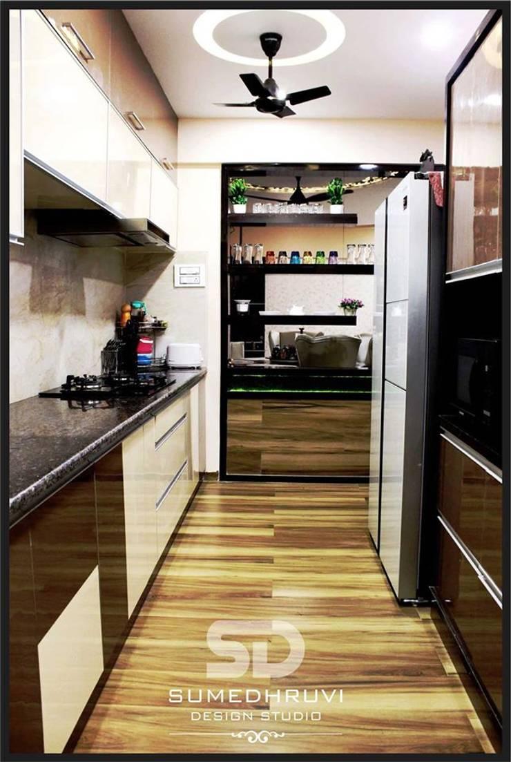 Open Kitchen Concept: modern Kitchen by SUMEDHRUVI DESIGN STUDIO