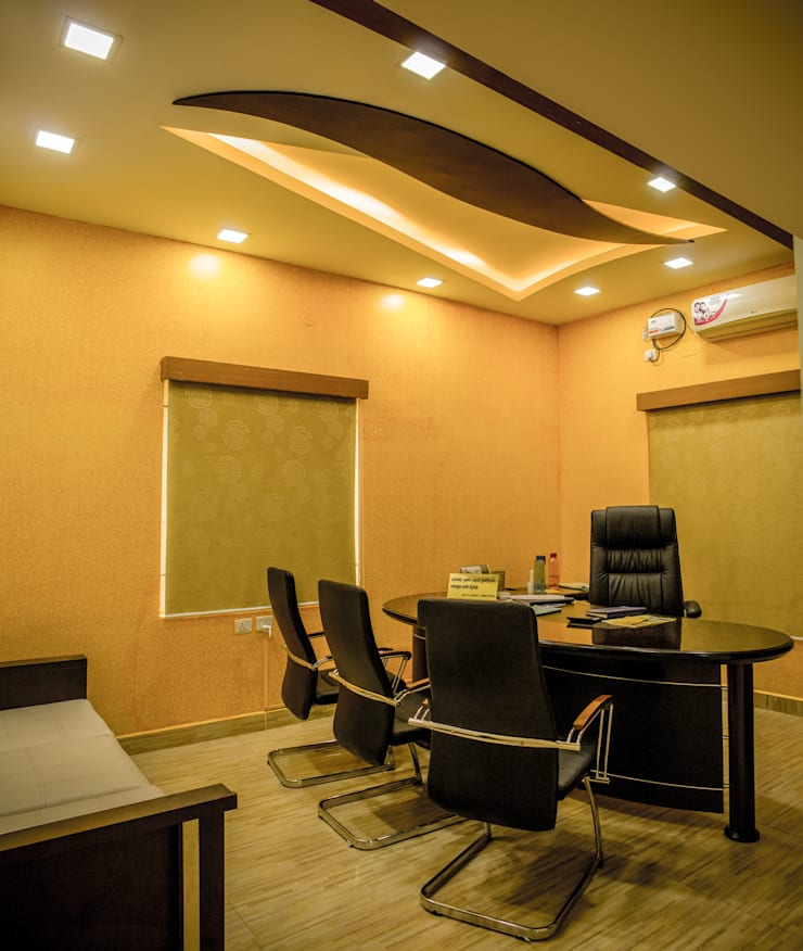 Managing Director's Office:  Office spaces & stores  by Studio Madras Architects