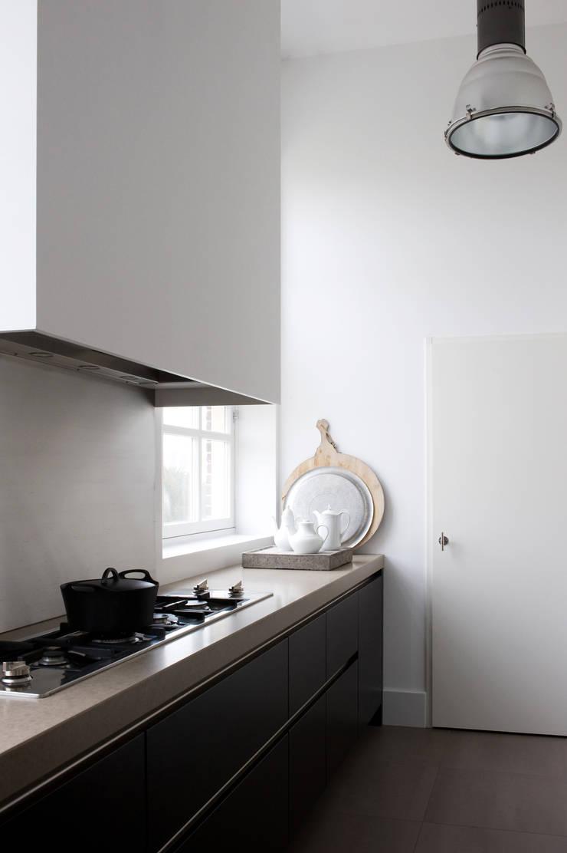 City apartment :  Keuken door J.PHINE