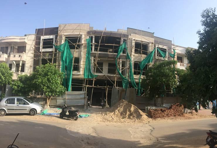 Front elevation :  Houses by Aditya shrivastava