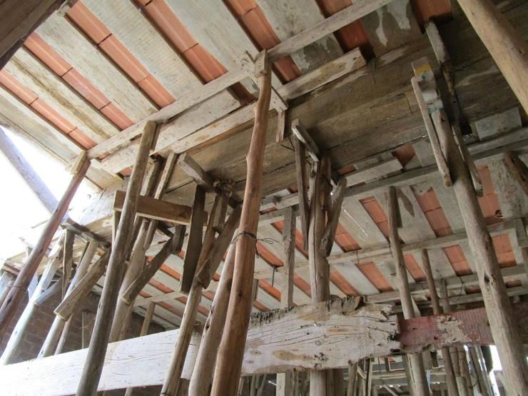 VIVIENDA UNIFAMILIAR – CHICLAYO: Oficinas y Tiendas de estilo  por CN y Arquitectos