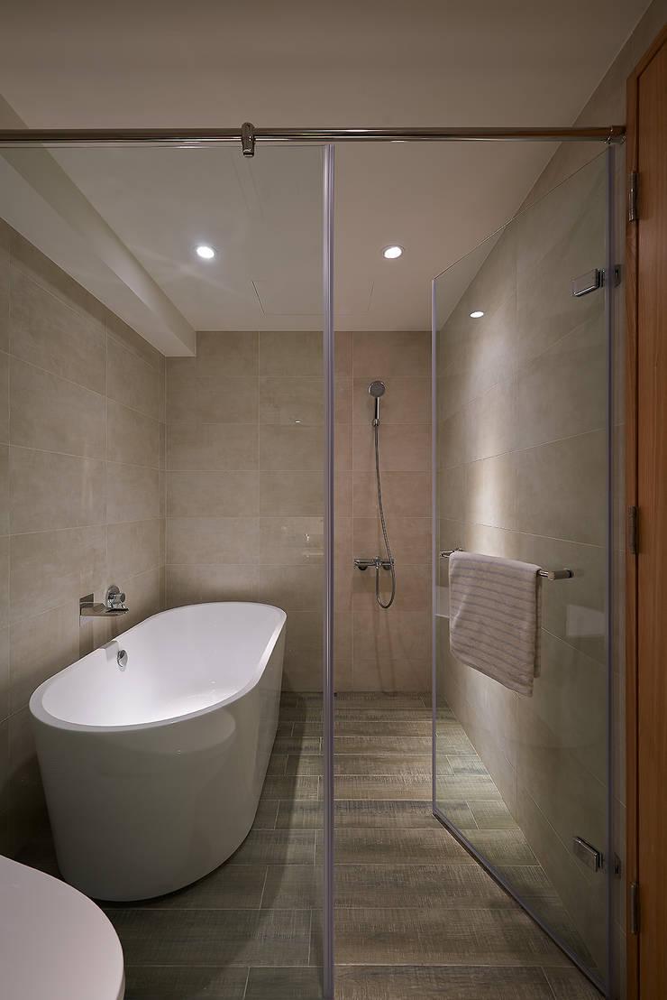 北歐X工業風!:  浴室 by 好家空間設計工作室