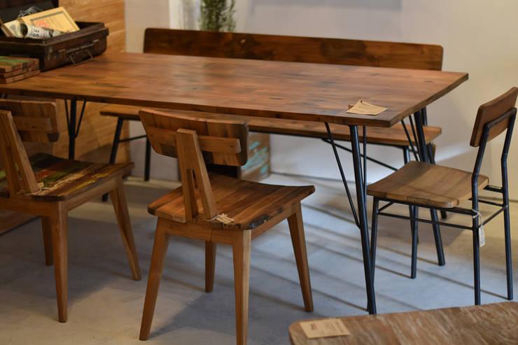 dining table & chair: gleamが手掛けたダイニングルームです。