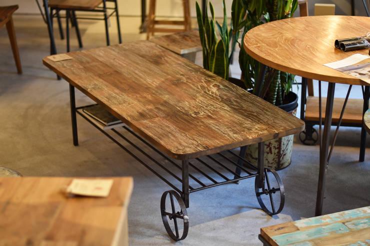 トロッコテーブル: gleamが手掛けたダイニングルームです。