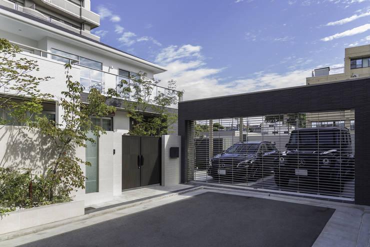 Häuser von 株式会社 岡本ガーデン
