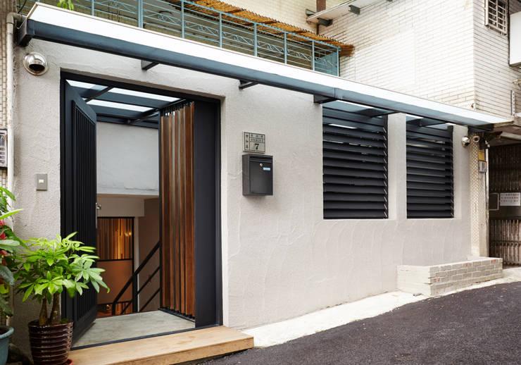 低調沈穩中呈現自然氣質的人文感受:  房子 by 弘悅國際室內裝修有限公司