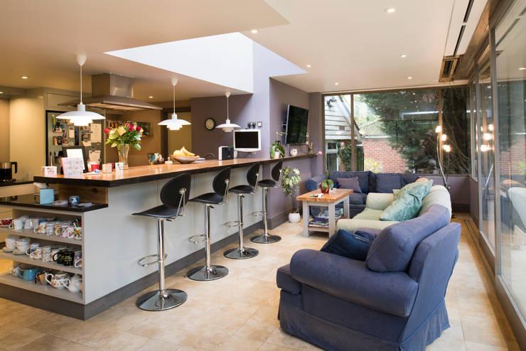 Cocinas de estilo moderno por Jack Jarrett Architects
