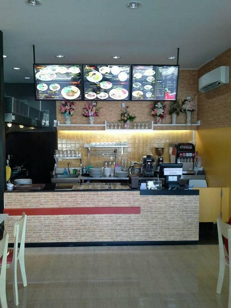 ร้าน EZ'S Kitchen ปั้มน้ำมัน ปตท. จ.อุตรดิตถ์:   by บริษัท ไอเดียโอโลจี จำกัด