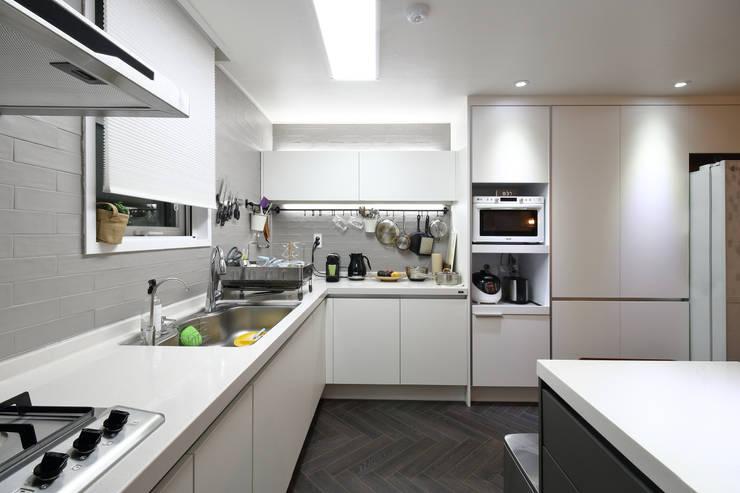 남양주 아파트 인테리어: 와이피스페이스의  주방