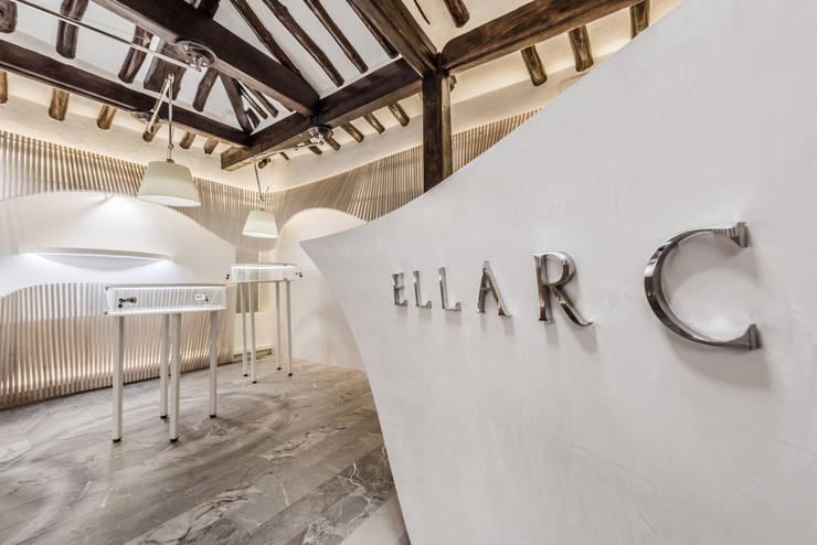 ELLARC (북촌 가회동 쥬얼리샵) : 커스텀 디자인 랩의  상업 공간
