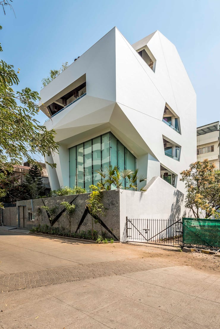 THE ORIGAMI HOUSE :  Houses by SANJAY PURI ARCHITECTS