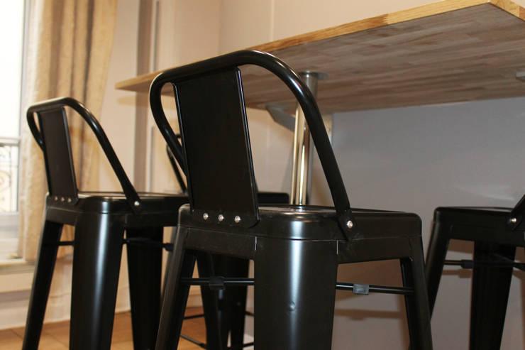 Modern Dining Room by Agence ADI-HOME Modern Iron/Steel