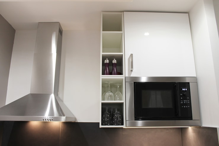 Modern Kitchen by Agence ADI-HOME Modern Wood-Plastic Composite