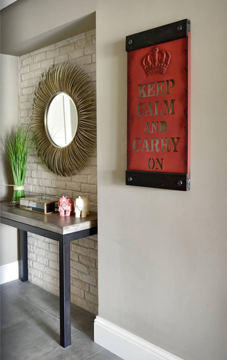 Corridor & hallway by Esra Kazmirci Mimarlik