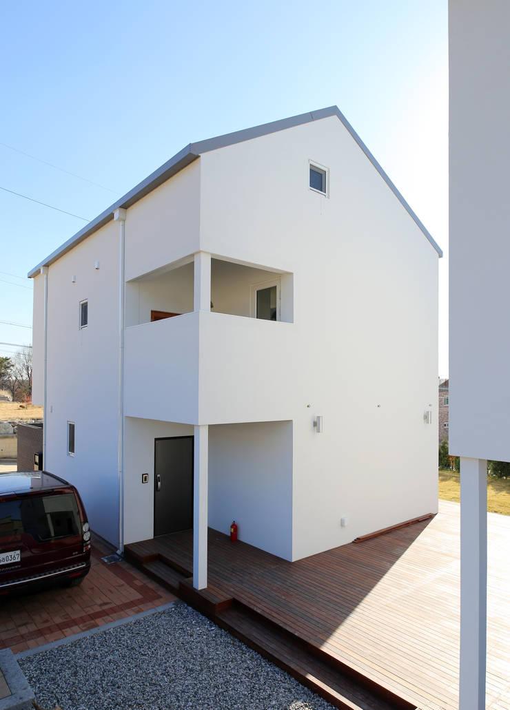 이천집: 위빌종합건설의  주택