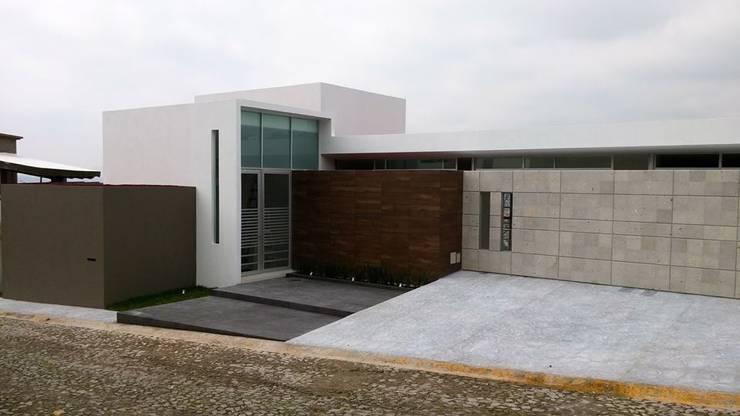 Häuser von MICHEAS ARQUITECTOS