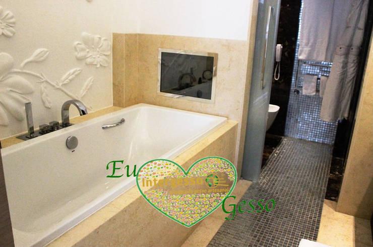 Banheiros  por Intergesso, Lda