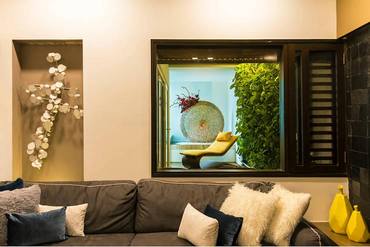 Lounge:  Living room by Studio An-V-Thot Architects Pvt. Ltd.,Modern