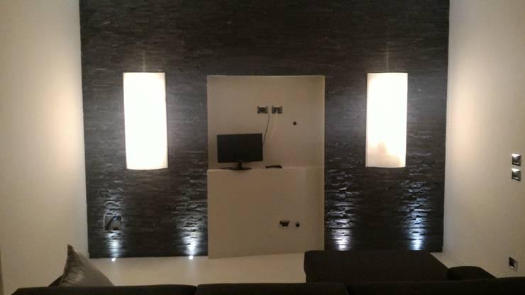 Minimalist living room by Luca Alitini Minimalist