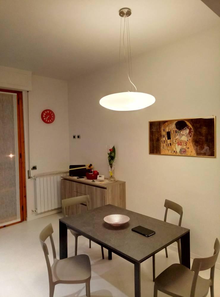 Minimalist kitchen by Luca Alitini Minimalist Engineered Wood Transparent